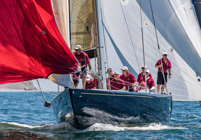 Defender, US-33 wins Queen's Cup