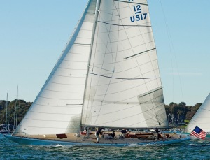 Weatherly, US-17 ~ TRADITIONAL 12 metre